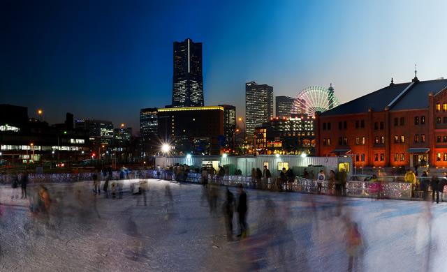 横浜赤レンガ倉庫 冬季限定 スケート場